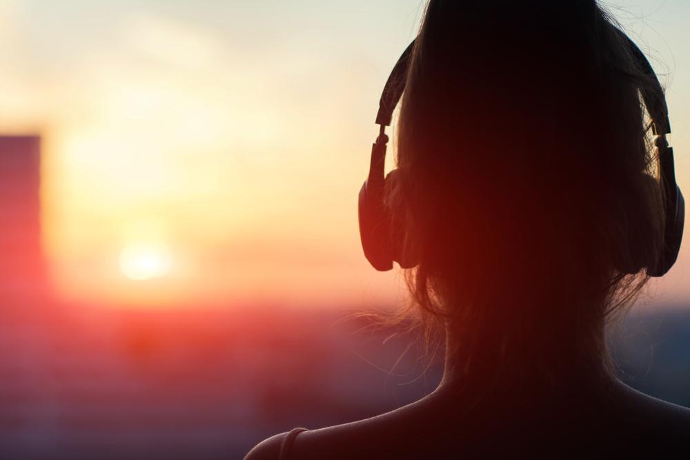 AimerのSPARK-AGAINの歌詞の意味とアニメとの関連について
