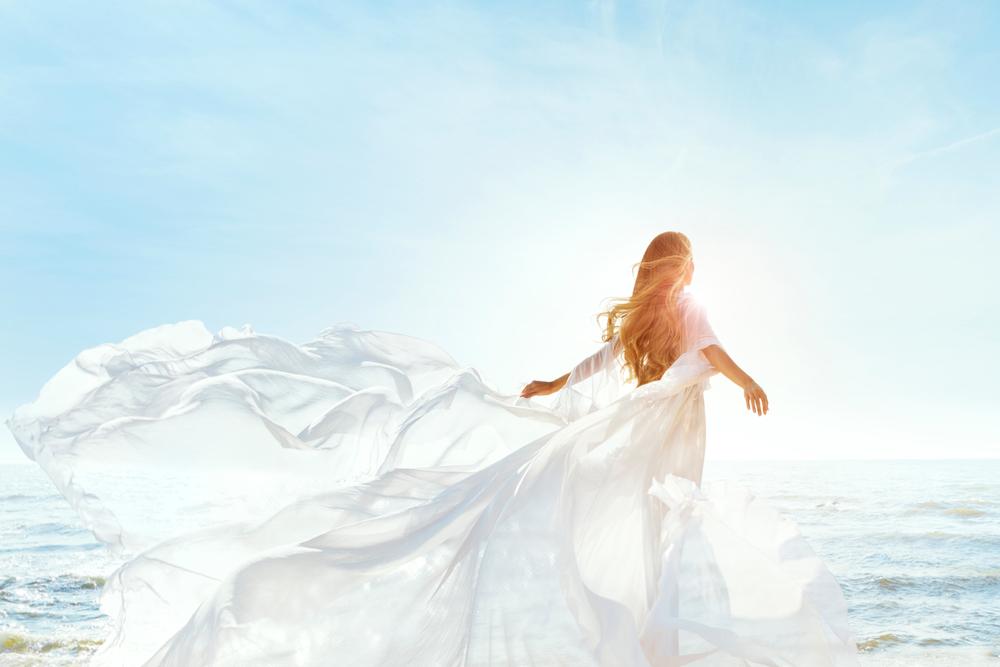 家入レオの空と青の歌詞の意味とは?ドラマの主題歌としても光る!