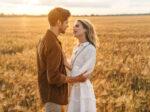 「サプライズ」LiSAの歌詞の意味と映画の主題歌としての魅力